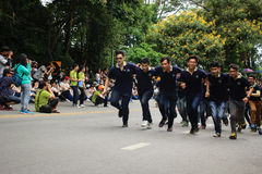 Caloiros que dão boas-vindas à cerimônia da universidade de Chiang Mai, Tailândia Fotos de Stock Royalty Free