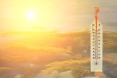 Calor del termómetro imagenes de archivo
