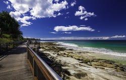 CALOUNDRA, AUS - 13 AOÛT 2016 : Jour ensoleillé chaud aux Rois Beach Calun Images libres de droits