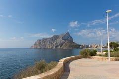 Calp Costa Blanca Spain com a rocha do marco do ³ n de Ifach de Peñà Foto de Stock Royalty Free