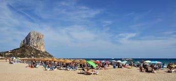 Calpe海滩和Penon de Ifach 免版税库存照片