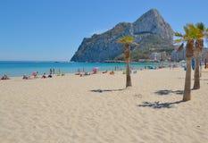 Calpe,西班牙海滩  库存照片
