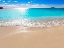 Calpe Cala el Raco plaża w Śródziemnomorskim Alicante Zdjęcia Royalty Free