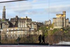 Calton小山的反射:爱丁堡,苏格兰 库存图片