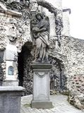 ` Calvarie ogródu ` za kościół St Paul w Antwerp, Belgia - Wyszczególnia statuę Zdjęcia Royalty Free