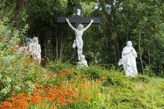 Calvarylandskap på den Clifdon katolska kyrkan, Irland Royaltyfria Bilder