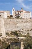 Calvi, citadela, paredes antigas, skyline, Córsega, Corse, França, Europa, ilha Imagem de Stock
