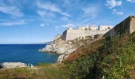 Calvi, cytadela, plaża, antyczne ściany, marina, linia horyzontu, Corsica, Corse, Francja, Europa, wyspa Obraz Stock
