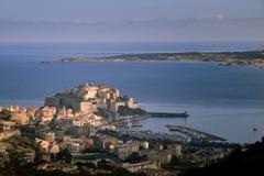 Calvi-Hafen und Zitadelle, Korsika Stockfotos
