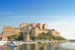 Calvi - miasteczko przybrzeżne na wyspie Corsica Corse, Francja obrazy royalty free