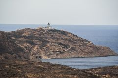 Calvi, Revellata latarnia morska, plaża, Pointe De Los Angeles Revellata, linia horyzontu, Corsica, Haute Corse, Francja, Europa, Zdjęcie Royalty Free