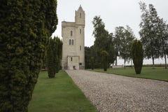 Calzada al monumento de la torre de Ulster fotos de archivo