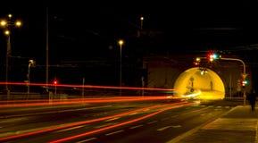 Calzada en la noche Imagen de archivo libre de regalías
