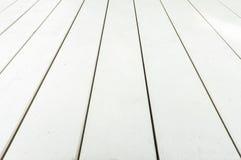Calzada hecha de la madera blanca foto de archivo