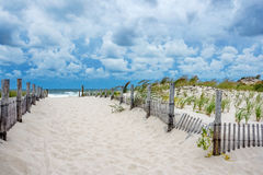 Calzada a la playa Foto de archivo libre de regalías