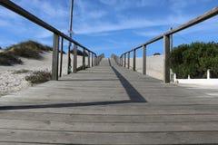 Calzada que lleva a la playa - Portugal Fotos de archivo libres de regalías