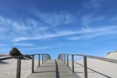 Calzada que lleva a la playa - Portugal Imágenes de archivo libres de regalías