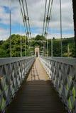 Calzada a través del chainbridge en la colada, Escocia imagenes de archivo