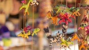 Caméléons faits main et jouets de chiot de lémur photographie stock libre de droits