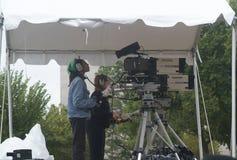 Caméra de télévision filmant un événement chrétien photos stock