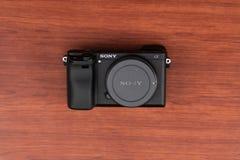 Caméra Sony Alpha a6300 Mirrorless images libres de droits