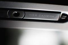 Caméra web étroite sur l'ordinateur portable photographie stock