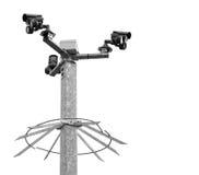 Caméras de sécurité sur un courrier en métal Photographie stock
