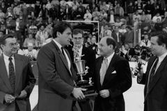 Cam Neely receives an award before. Royalty Free Stock Images
