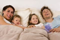 Cama da família Imagem de Stock Royalty Free