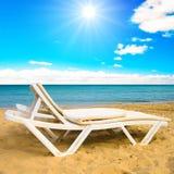 Cama da praia imagens de stock