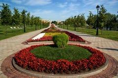 Cama de flor en jardín formal Imagen de archivo