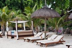 Cama de la choza y de la playa Imágenes de archivo libres de regalías