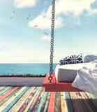 Cama de la ejecución por la playa Foto de archivo libre de regalías