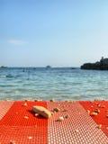 Cama de Sun en el mar Fotos de archivo libres de regalías