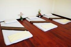 Cama del masaje Fotografía de archivo libre de regalías