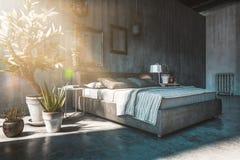 Cama matrimonial en dormitorio del estilo del desván Fotografía de archivo libre de regalías