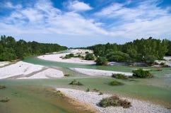 Cama natural do cascalho do rio de Torre Foto de Stock Royalty Free