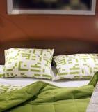 Cama verde imagens de stock