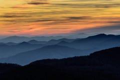 Camadas de Ridge Mountains azul Fotografia de Stock Royalty Free