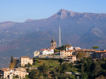 Camaiore en liten by Pedona Royaltyfri Bild