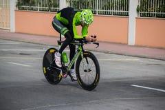 Camaiore, Italia - 11 de marzo de 2015: Ciclista profesional Foto de archivo