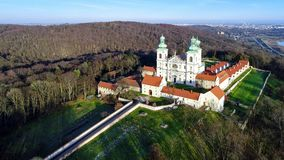 Camaldolese修道院和教会在Bielany,克拉科夫,波兰 股票视频