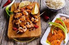 Camarão cozinhado em Skewers fotos de stock royalty free
