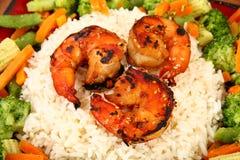Camarão de Teriyaki do gengibre com arroz e Veggies foto de stock royalty free