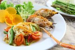 Camarão grelhado da papaia salada verde Fotos de Stock Royalty Free