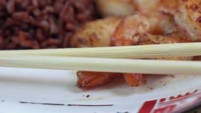 Camarón con arroz en la placa metrajes