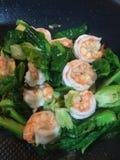 Camarón con las verduras Imagenes de archivo
