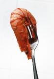 Camarón en la fork Imagenes de archivo
