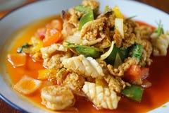 Camarón frito con el polvo de curry foto de archivo