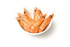 Camarões cozinhados na bacia imagem de stock